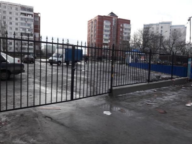 Собственники дома самовольно перекрыли внутреннедворовой проезд в Волгодонске
