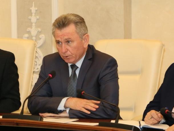 Глава администрации Виктор Мельников отчитал руководителей УК и ТСЖ за плохую работу в гололед