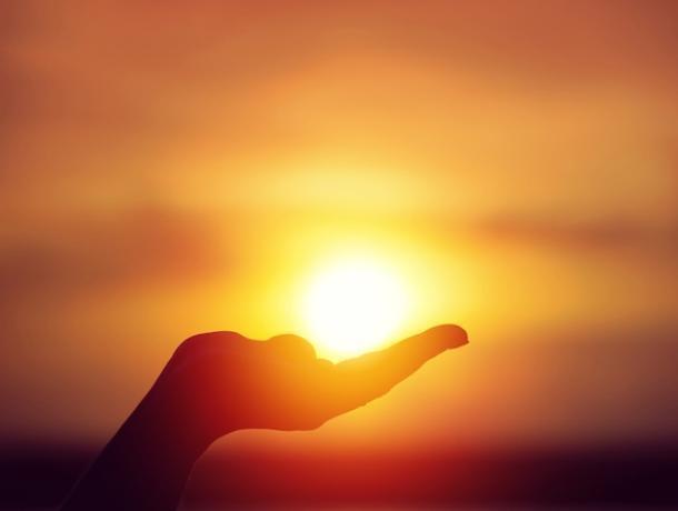 В воскресенье солнце будет весь день на виду и сядет ровно в 19:00