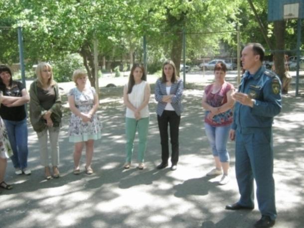 Открытый урок для медиков провели сотрудники МЧС и студенты-спасатели в Волгодонске