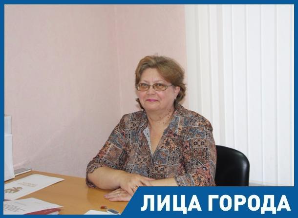 Не часто увидишь взрослого, который с серьезным лицом покажет тебе язык, - логопед Наталья Горелова