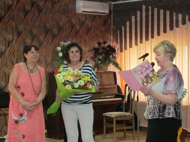 В ДК Курчатова прошел творческий вечер поэтессы Валентины Анашкиной