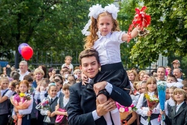 Как отметила День знаний самая первая школа новой части Волгодонска