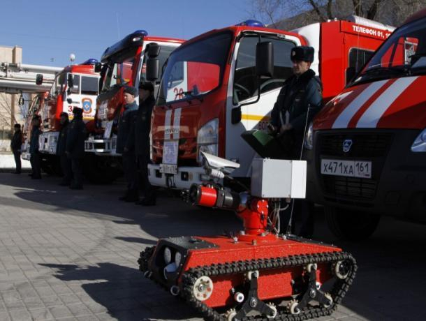 Волгодонским школьникам продемонстрировали пожарную технику города