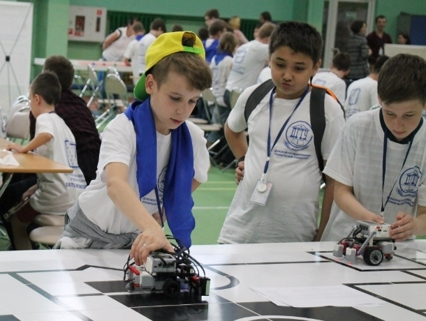 Очередной победой для волгодонских робототехников завершился фестиваль «DSTU-RoboSpring-2018»