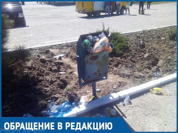 «Я хочу уехать из этой мусорки навсегда!»: Волгодонец прокомментировал состояние городской вокзальной площади