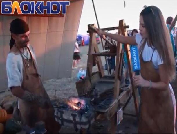 Специальный видеорепортаж провела Света Без на фестивале «Великий шелковый путь»