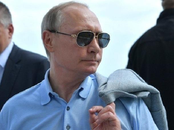 Свой 65-й День рождения сегодня отмечает президент России Владимир Путин
