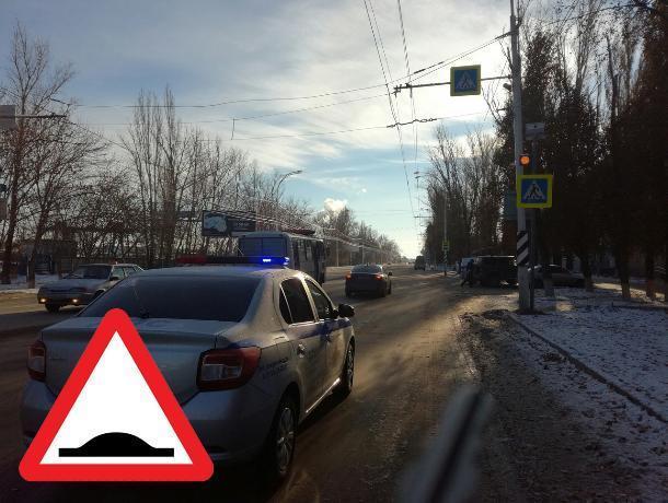 Вместо светофора на Морской установят «лежачего полицейского»