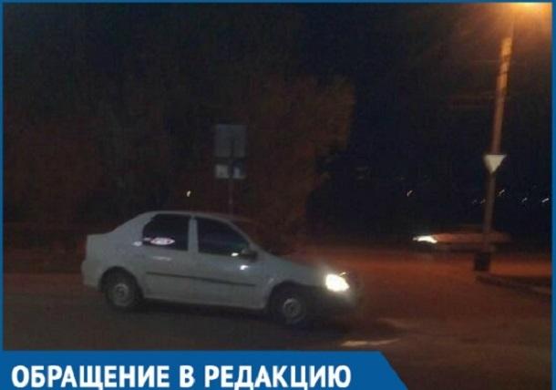 Напуганная волгодончанка рассказала об инциденте с таксистом, бросившим от злости ее деньги на землю