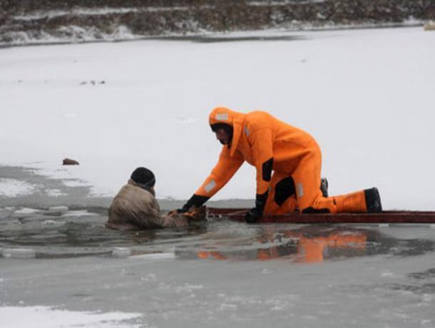 В больнице скончался от обморожения спасённый в районе порта Волгодонска рыбак