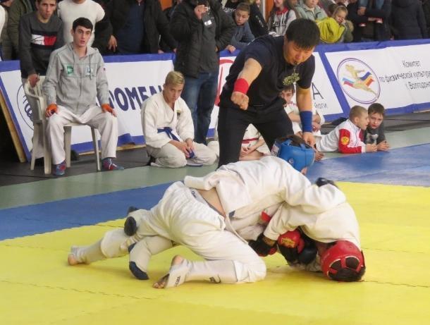 День призывника и чемпионат ЮФО по рукопашному бою в Волгодонске провели в один день