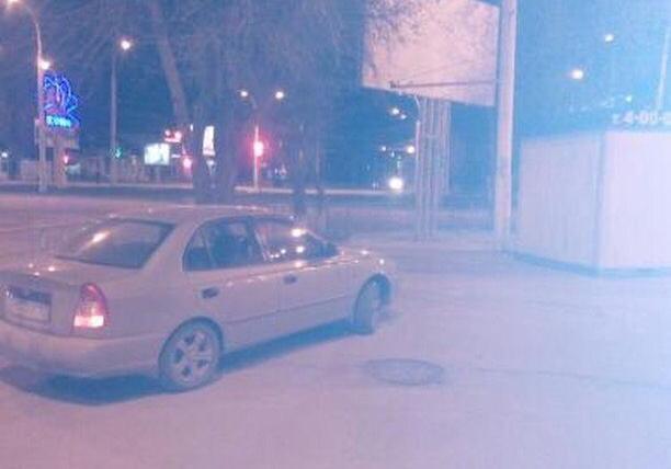 Водитель «Акцента» припарковался на Комсомольской площади