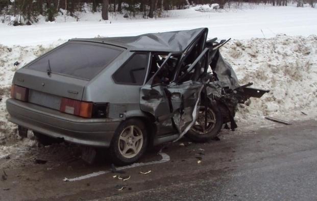 При лобовом столкновении машин вРостовской области погибли оба водителя