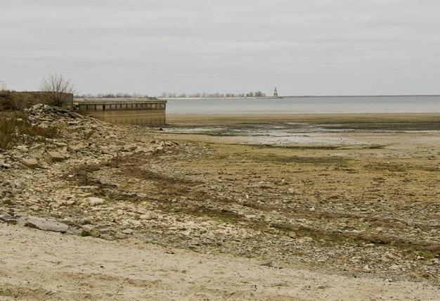 Из Цимлянского водохранилища начинает быстро уходить вода