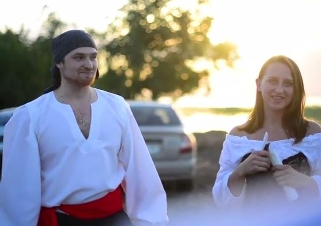 Пираты отправили в плавание бутылки с пожеланиями в море в Волгодонске