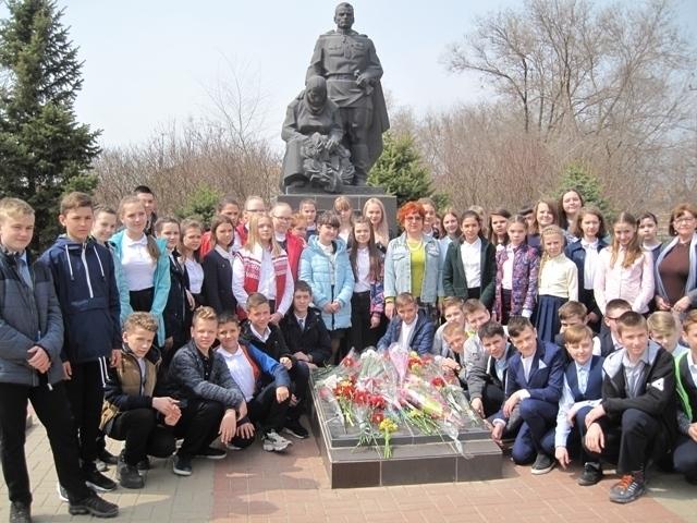 900 волгодонцев прошли с экскурсией по памятным местам