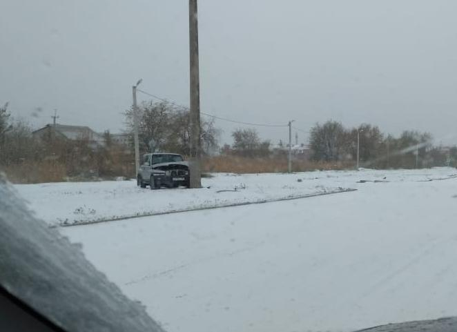Большое  количество ДТП, очереди на шиномонтаж и рост цен на такси: как волгодонцы встретили первый снег