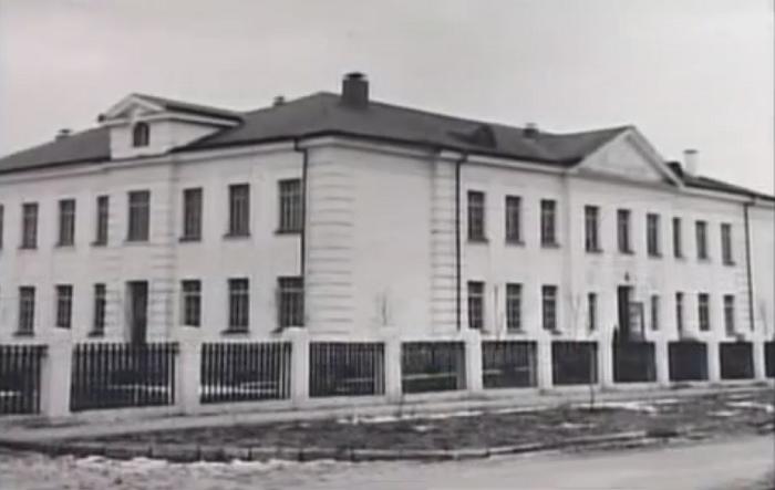 Волгодонск прежде и теперь: школа №1