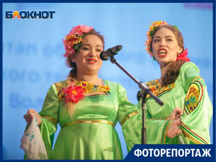 Студенты показали свои таланты на сцене ДК «Октябрь»
