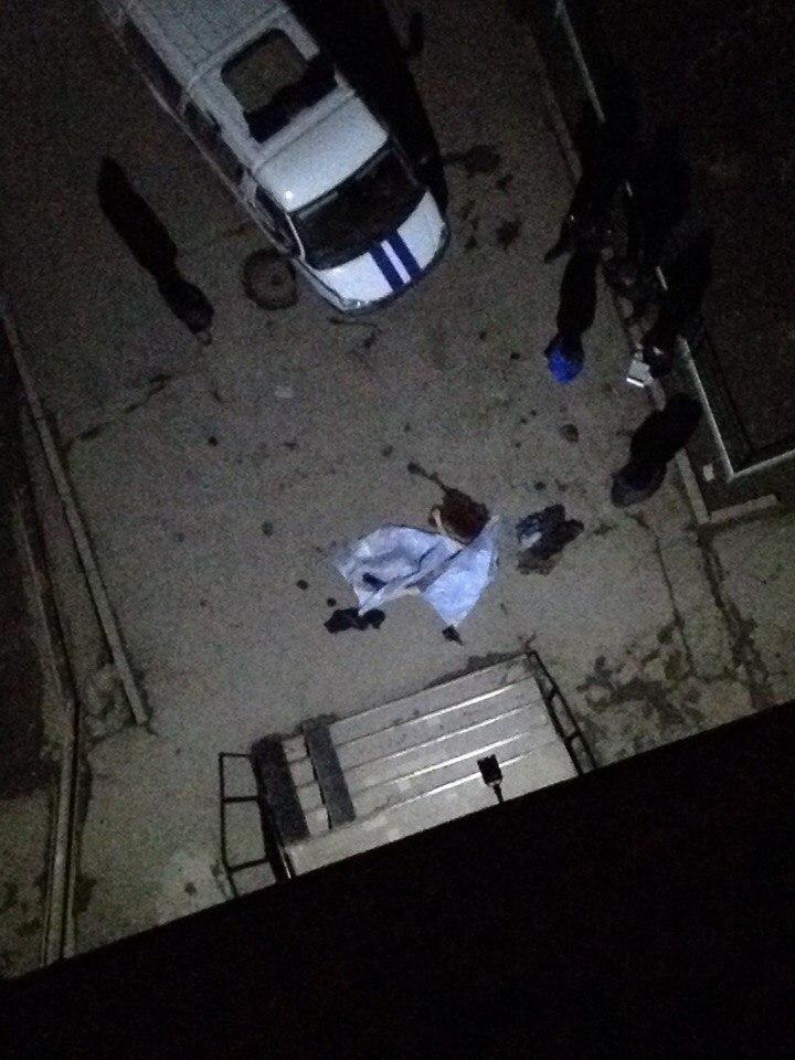 В Волгодонске мужчина разбился насмерть, выбросившись с балкона 16 этажа