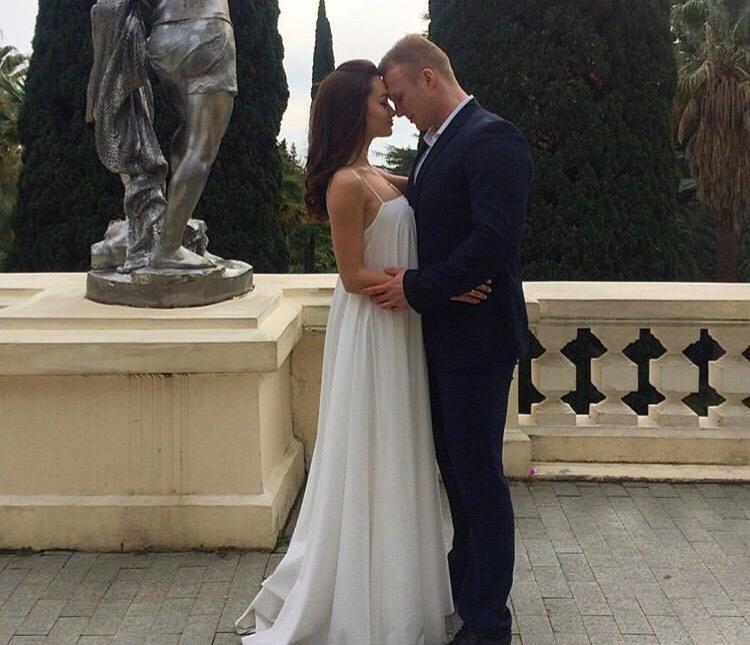 «Мисс Блокнот-2016» Елена Луполова выбрала для свадьбы красивую дату и популярный курорт Черного моря