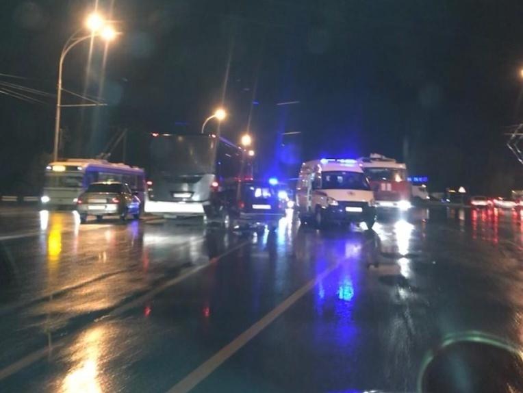 Умер водитель «четверки», столкнувшийся с автобусом на въезде в Волгодонск