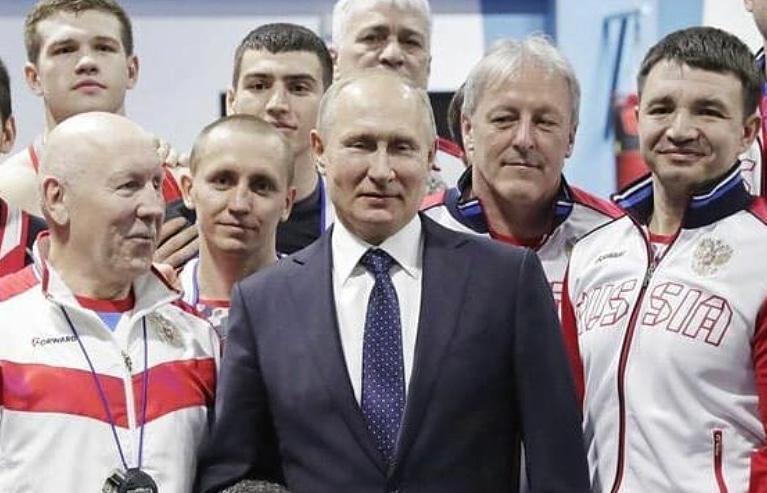 Пообщаться с Владимиром Путиным удалось боксеру из Волгодонска Харитону Агрба