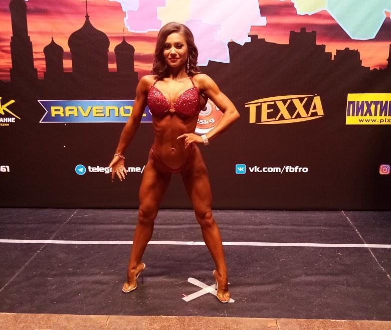 Волгодонская красавица Полина Павлютина вошла в пятерку сильнейших на чемпионате по фитнес-бикини