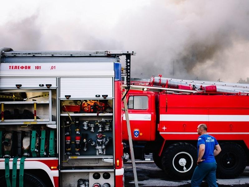В Волгодонске сгорел дом за остановкой «Насосная»