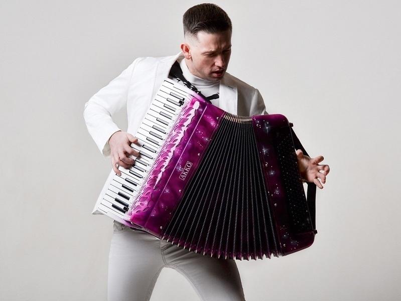 В Волгодонске даст бесплатный концерт знаменитый аккордеонист-виртуоз