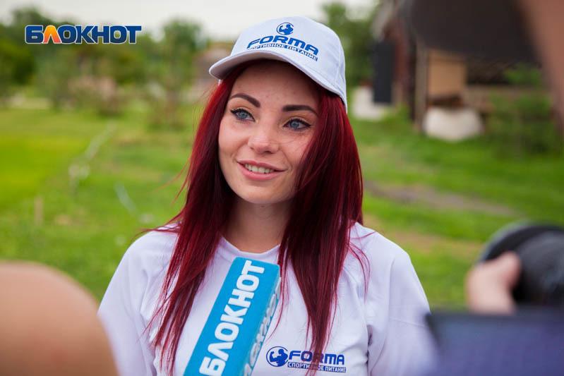 Из-за тяжелой попы Кристина Ковалева первой выбыла на спортивном этапе «Мисс Блокнот»