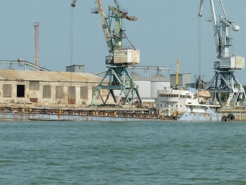 Волгодонский порт перевалил первые тысячи тонн грузов