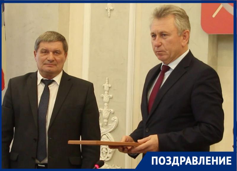 «Молодой человек, я вас поздравляю»: Мельников поздравил Потапова с юбилеем