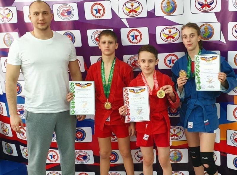 Юные дзюдоисты из Волгодонска вернулись с областных соревнований с медалями