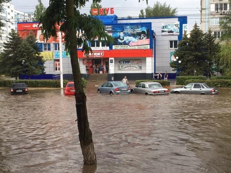 Улицы Волгодонска затопило после сильного ливня