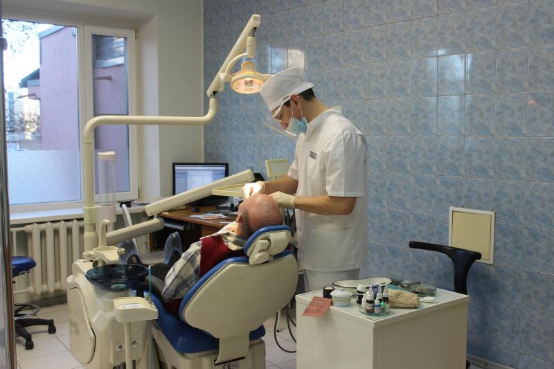 Льготная категория волгодонцев имеет право на бесплатное протезирование зубов