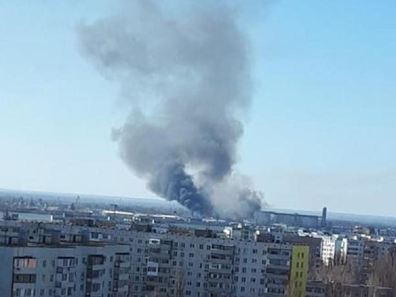 Крупный пожар разгорелся на берегу Сухо-Соленовской балки