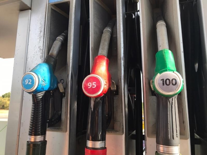 Бензин АИ-95 дешевле 43 рублей трудно встретить в Волгодонске
