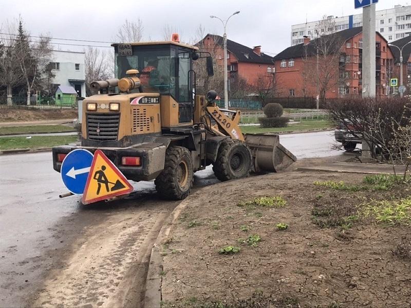 «Трактористы или неправильные бордюры?»: в Думе искали источники грязи на дорогах