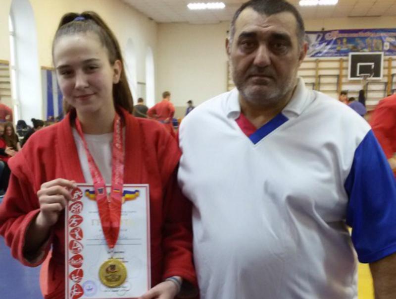 Волгодончанка Диана Прохорова стала лучшей на первенстве области по самбо