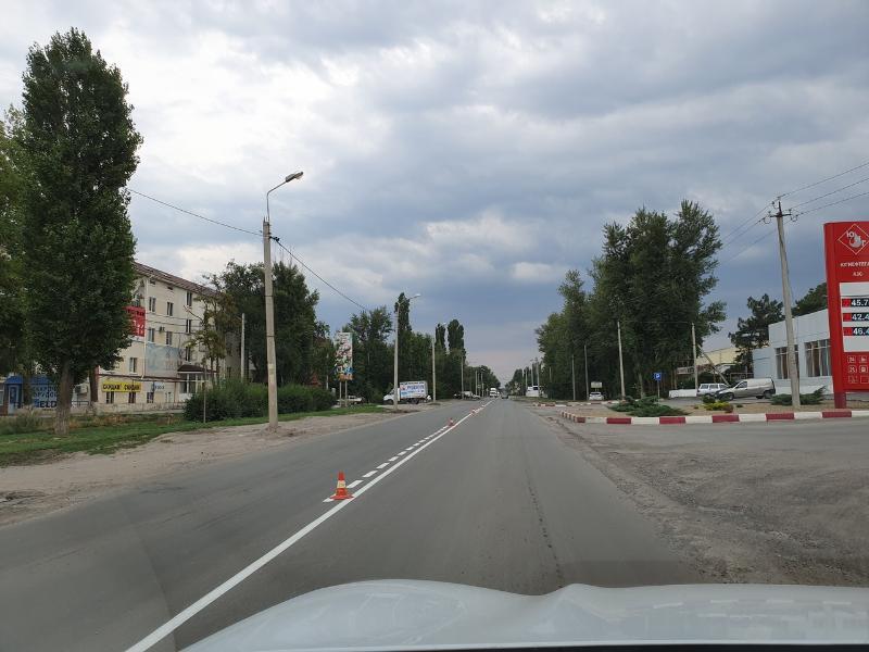 На отремонтированной автодороге по улице Степная нанесли новую дорожную разметку