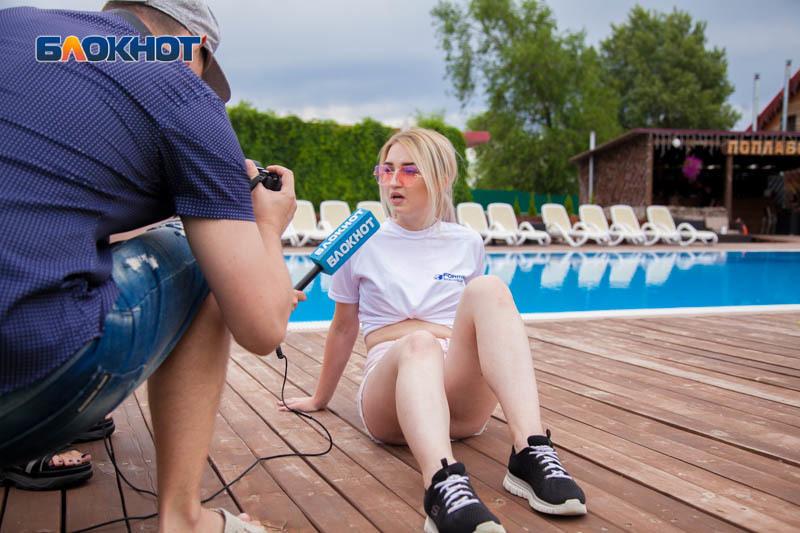 Евгении Остапенко стало плохо после выпрыгивания из приседа на спортивном этапе «Мисс Блокнот»