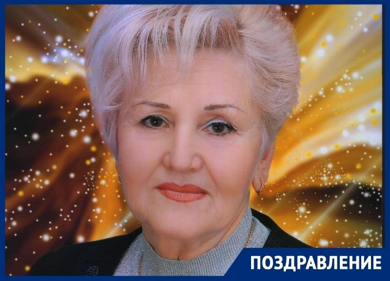 Руководитель детского сада «Колокольчик» Любовь Панферова отмечает юбилей