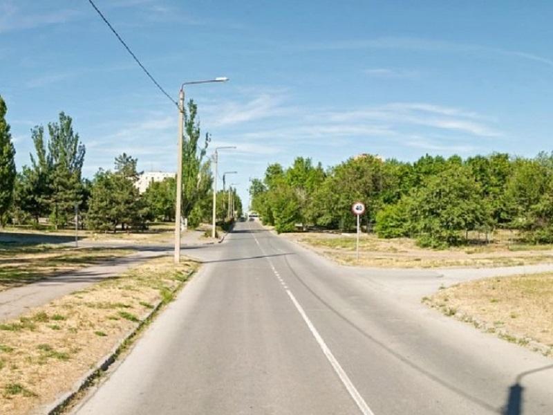 На улице Молодежная в Волгодонске заделают трещины