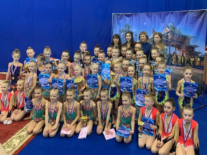 Россыпь наград разного достоинства привезли волгодонские гимнастки с чемпионата «Степная мелодия»