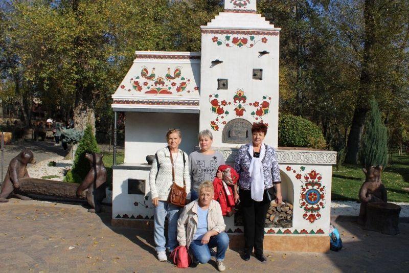 «Нескучное краеведение»: пожилые граждане из Волгодонска посетили «Лога Парк»