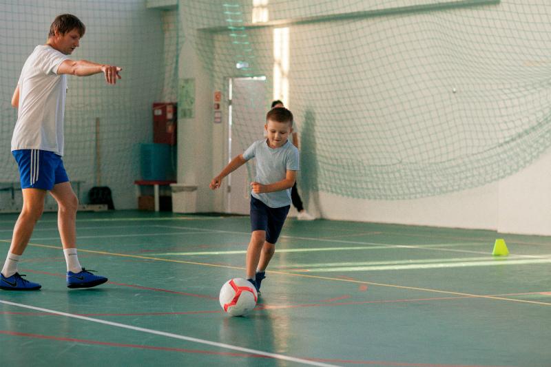 Ваш ребенок может научиться футболу вместе с «Эластико»