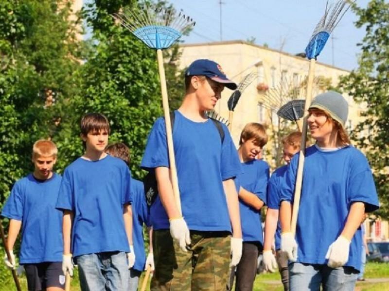 Помочь подросткам почувствовать себя взрослыми и заработать призывают предпринимателей Волгодонска
