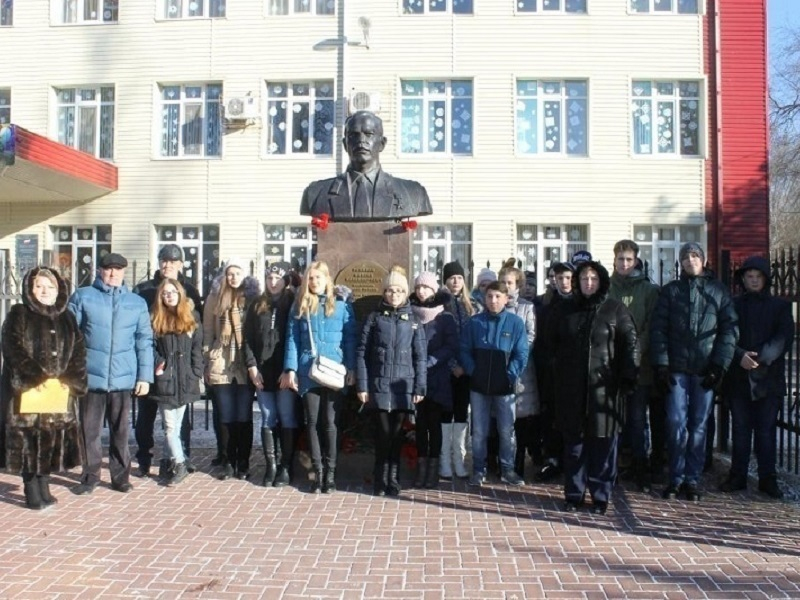 11 лет назад в Волгодонске появился памятник Герою России Михаилу Ревенко
